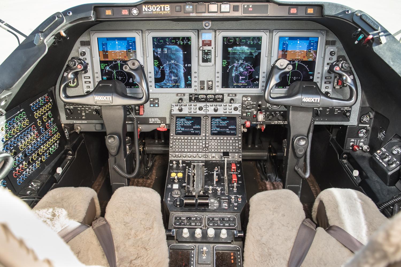 N302TB Cockpit